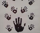 Madela hands 168x140