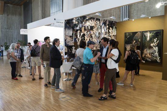 Visita alumnos del curso de coleccionismo de la UIMP, a la feria de ARTESANTANDER.